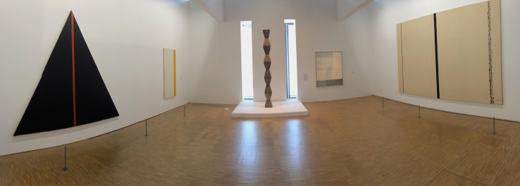 "Constantin Brancusi sculpture ""La Colonne sans fin III"""